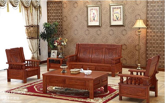 橡木是一种自然环保、色泽饱满且具有美观的山形木纹的木材,用于制作沙发外形粗犷的纹理清晰可见,造型简洁,一般适用于制作欧式、中式、田园风格的家居沙发产品。但是橡木沙发的价格贵吗?橡木沙发怎么样呢?今天小编就为您介绍橡木沙发价格最新消息。