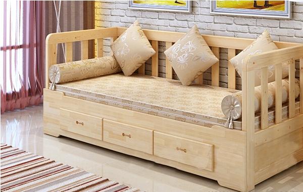 松木沙发床怎么样?看了上面的介绍,我认为松木沙发床从外形上来看比较精致美观,古朴大方。不过松木沙发床保养十分不易,一般尽量避免家具面接触到腐蚀性液体、酒精、指甲油等,平时要保持通风、放在干燥的环境中,因为松木木质沙发在潮湿的天气里最易发生变形。
