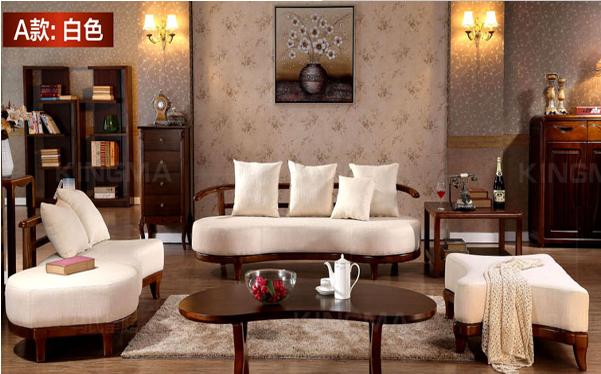 沙发作为客厅重要的家具之一,除了原有的功能,还起到装饰客厅的作用。所以在选购沙发时除了考虑沙发的实用功能,沙发的风格外观也一样非常重要。那沙发有些什么风格呢?今天小编给大家介绍的就是中式布艺沙发,有兴趣的朋友跟随小编一起来看看吧!  中式布艺沙发的特点