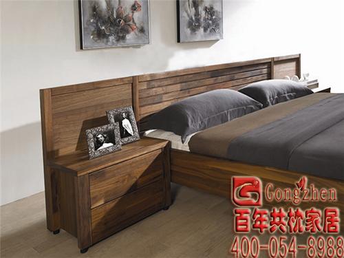 很多黑胡桃木家具都是贴皮而不